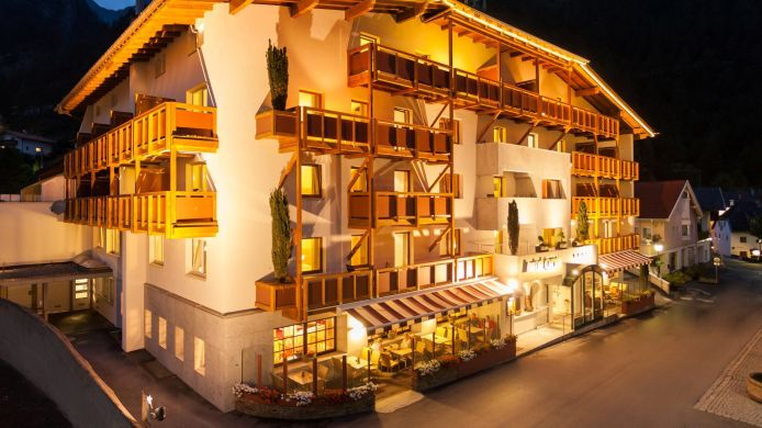 Exterior view Hotel Tyrol