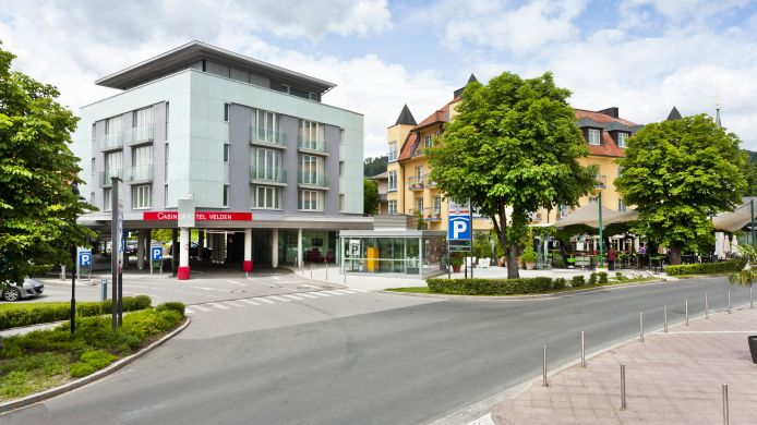 Exterior view Casinohotel Velden