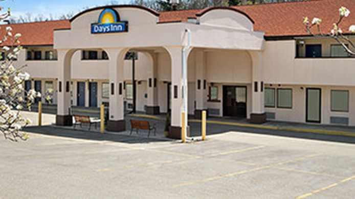 Exterior view DAYS INN MONROEVILLE PITTSBURG