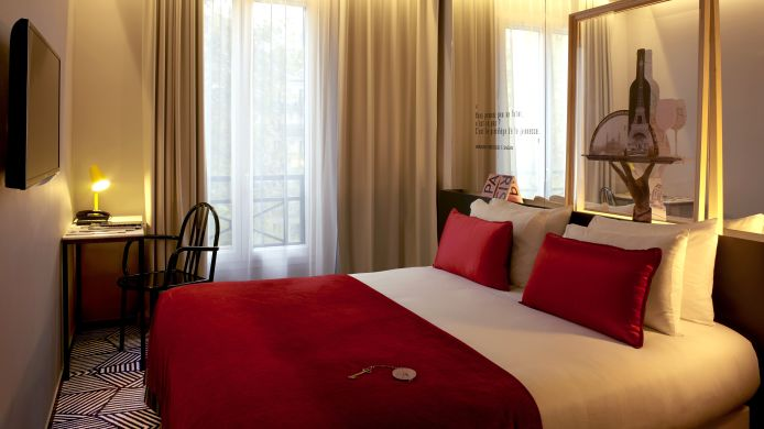Double room (standard) Gaston Ex Pavillon Pereire Arc de Triomphe