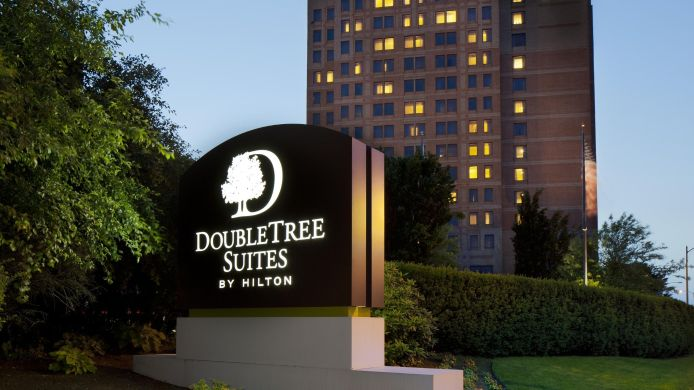 Außenansicht DoubleTree Suites by Hilton Boston - Cambridge