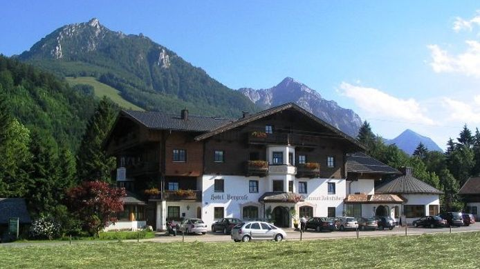Exterior view Alpiner Charme im Hotel Bergrose in Strobl