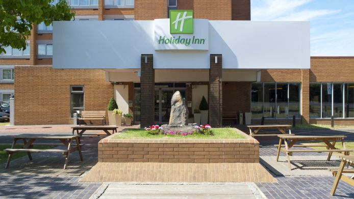 Exterior view Holiday Inn LONDON - GATWICK AIRPORT