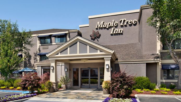 Buitenaanzicht MAPLE TREE INN