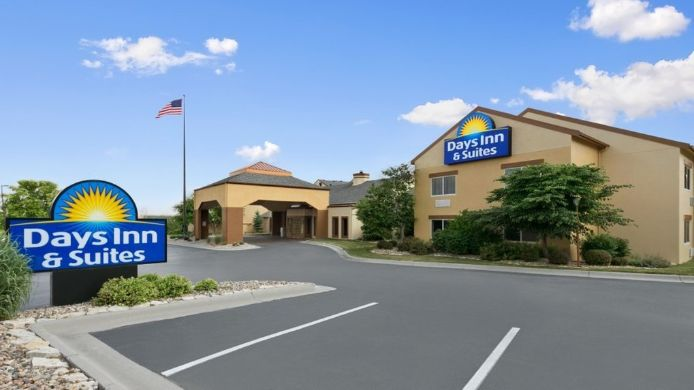 Exterior view DAYS INN SUITES OMAHA