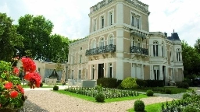 Buitenaanzicht Le Chateau du Clos de la Ribaudiere Chateaux & Hotels Collection
