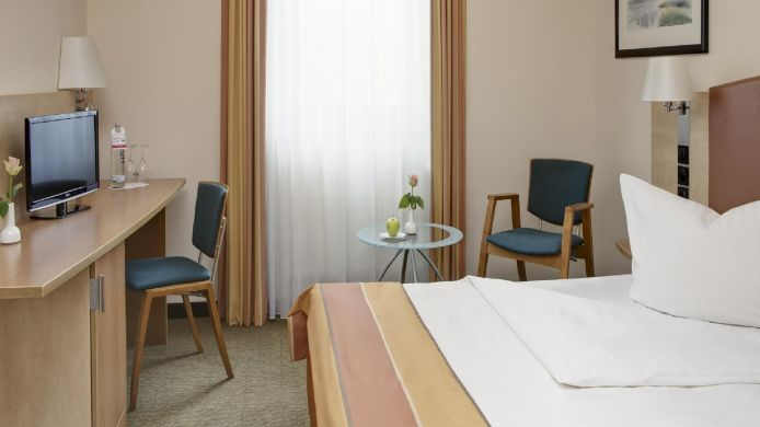 Double room (standard) InterCityHotel Ostbahnhof