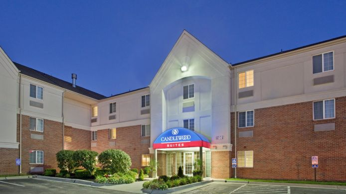 Exterior view Candlewood Suites KANSAS CITY-OVERLAND PARK