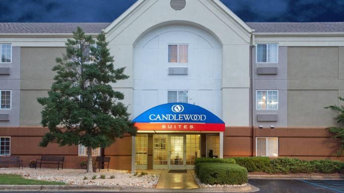 Exterior view Candlewood Suites CLEVELAND-N. OLMSTED