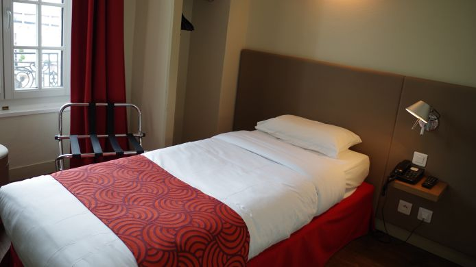 Single room (standard) Coeur de City Bordeaux Clémenceau by HappyCulture