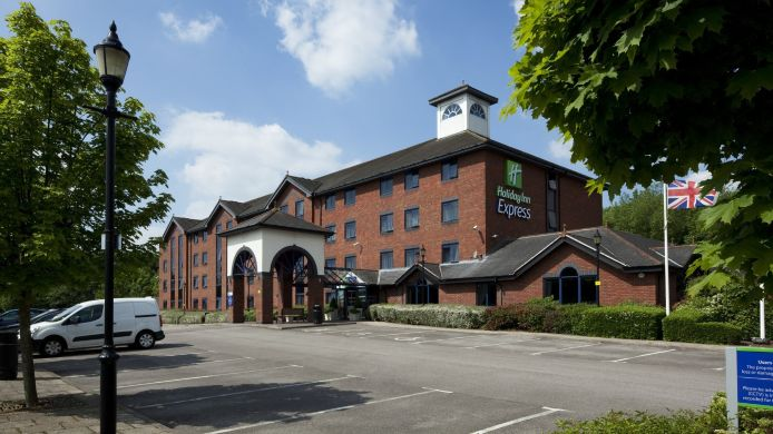 Exterior view JCT.13 Holiday Inn Express STAFFORD M6