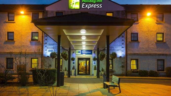 Buitenaanzicht Holiday Inn Express PERTH