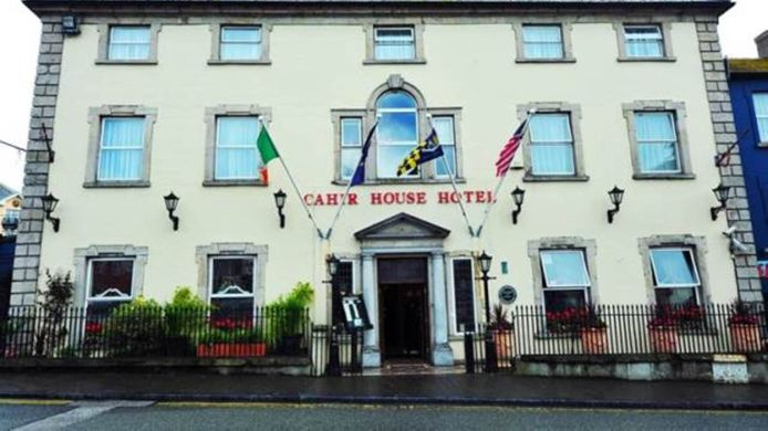 Exterior view Cahir House 'The Square'