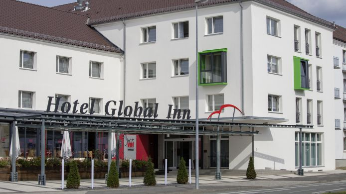 Buitenaanzicht Global Inn