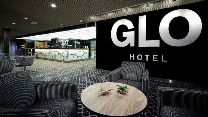 Lobby GLO Airport