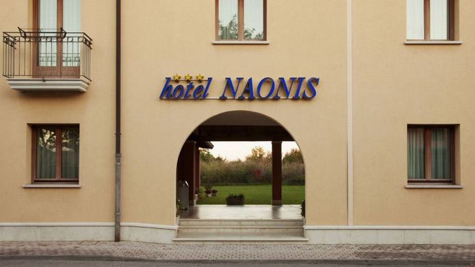 Exterior view Naonis