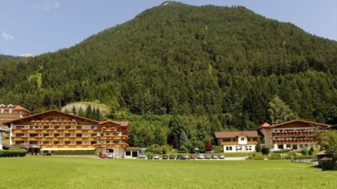 Exterior view Huber Hochland ***s