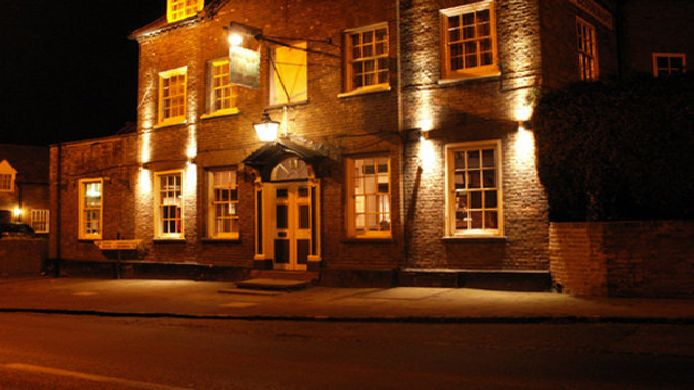 Exterior view Hare and Hounds