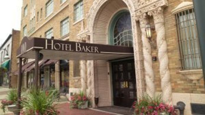 Exterior view HOTEL BAKER - ST CHARLES
