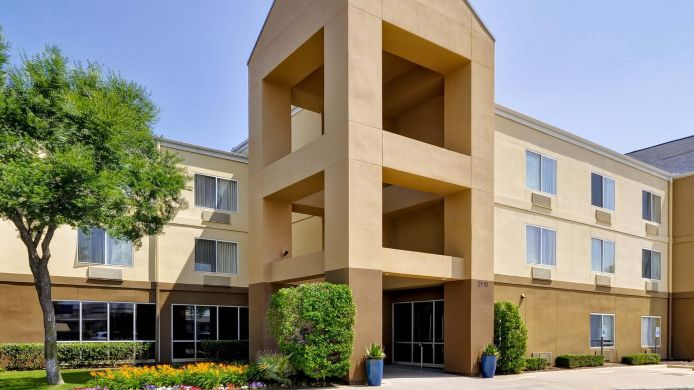 Buitenaanzicht Fairfield Inn & Suites Dallas Medical/Market Center