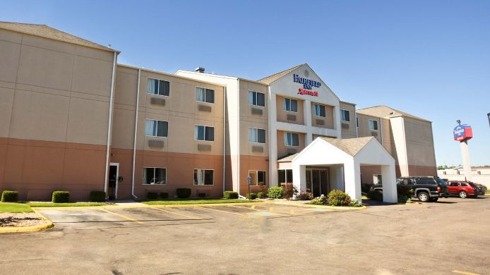 Exterior view Fairfield Inn Topeka