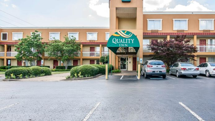 Exterior view Quality Inn Jackson