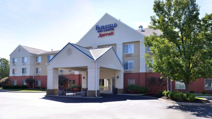Exterior view Fairfield Inn & Suites Louisville North