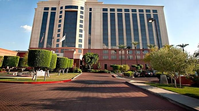 Exterior view Phoenix Airport Marriott