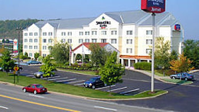Exterior view SpringHill Suites Pittsburgh Airport
