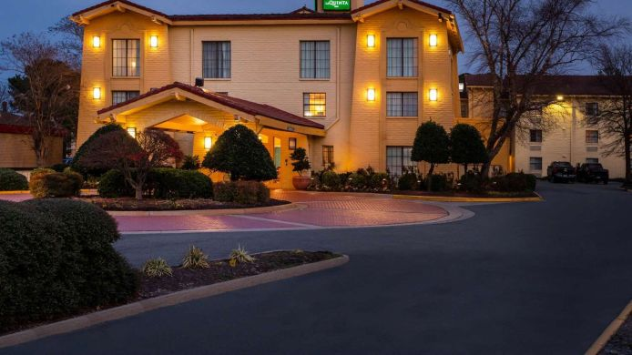 Exterior view LA QUINTA INN NORFOLK VIRGINIA BEACH