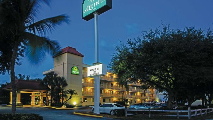 Exterior view LA QUINTA INN W PALM BEACH CITY PLACE
