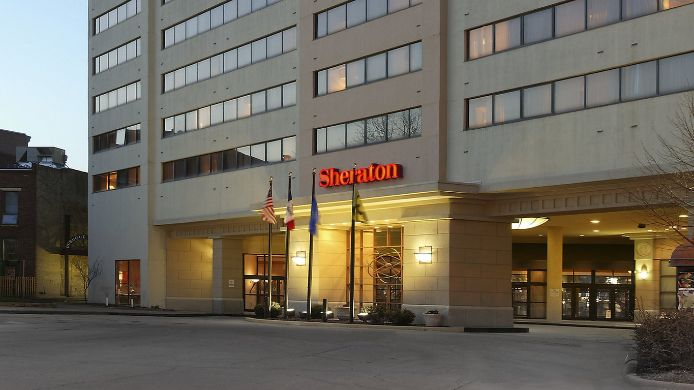 Exterior view Sheraton Iowa City Hotel