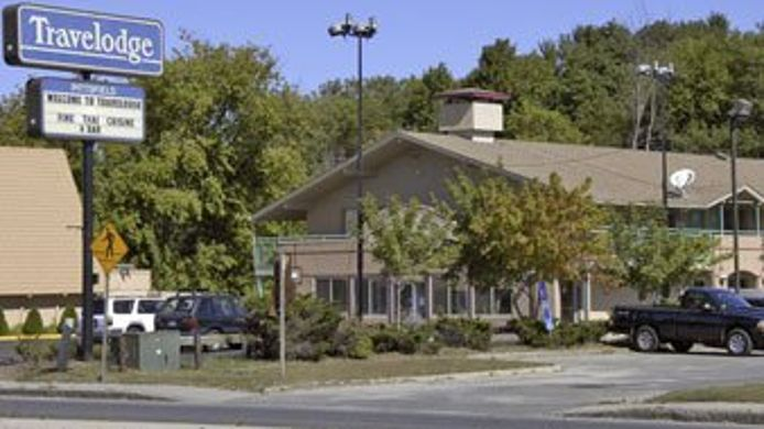 Exterior view Econo Lodge Pittsfield