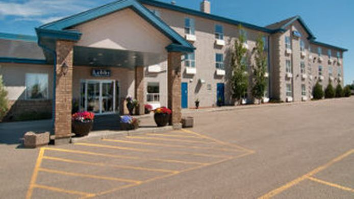 Exterior view TRAVELODGE STONY PLAIN
