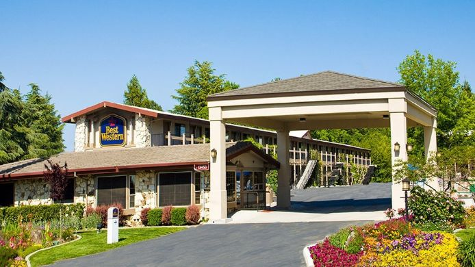Exterior view BEST WESTERN GOLDEN KEY