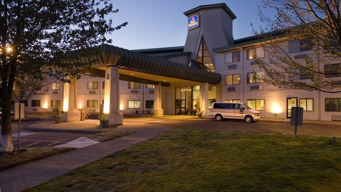 Exterior view BEST WESTERN INN AT MEADOWS