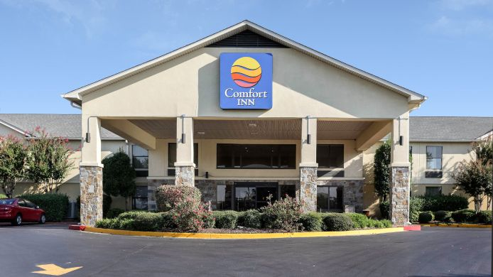 Exterior view Comfort Inn Olive Branch