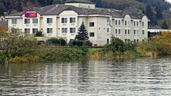 Exterior view Comfort Suites Columbia River