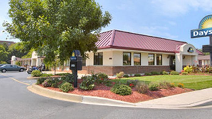 Exterior view DAYS INN DOVER INTOWN