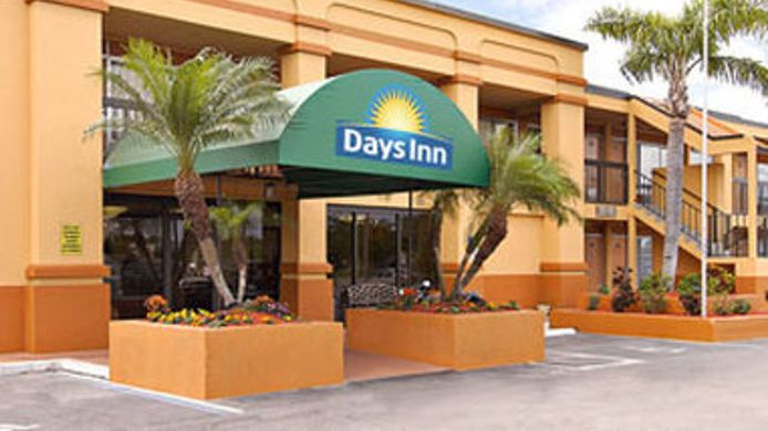 Buitenaanzicht DAYS INN FORT MYERS NORTH