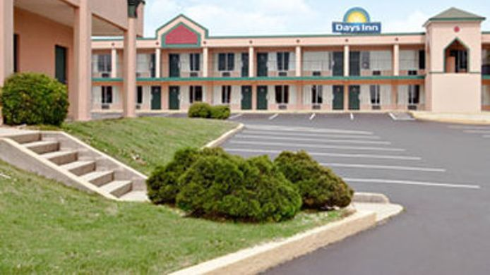 Exterior view DAYS INN BENSON