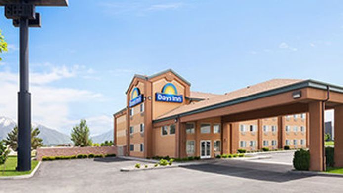 Exterior view DAYS INN SPRINGVILLE