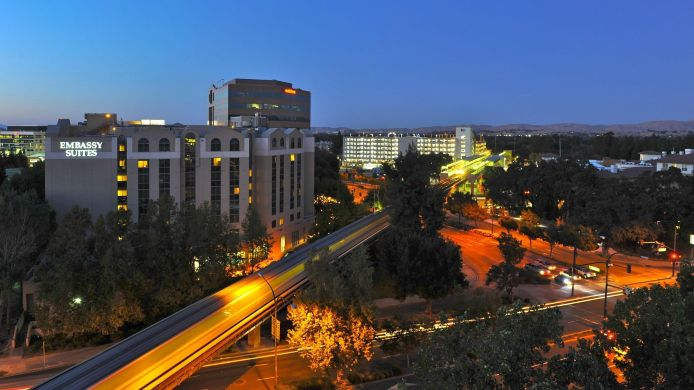 Buitenaanzicht Embassy Suites by Hilton Walnut Creek