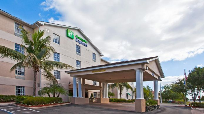Exterior view Holiday Inn Express & Suites BONITA SPRINGS