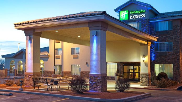 Buitenaanzicht Holiday Inn Express & Suites FARMINGTON (BLOOMFIELD)