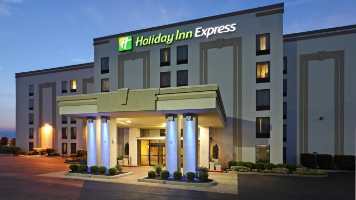 Buitenaanzicht Holiday Inn Express & Suites FAYETTEVILLE-UNIV OF AR AREA