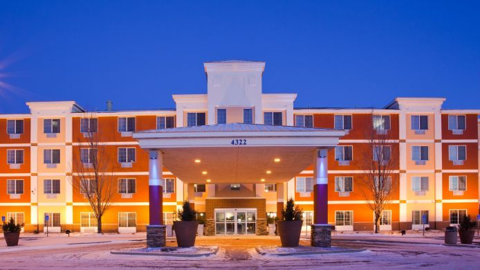 Buitenaanzicht Holiday Inn Express Hotel & Suites ST. CLOUD