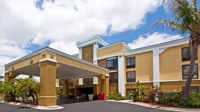 Buitenaanzicht Holiday Inn Express VERO BEACH-WEST (I-95)