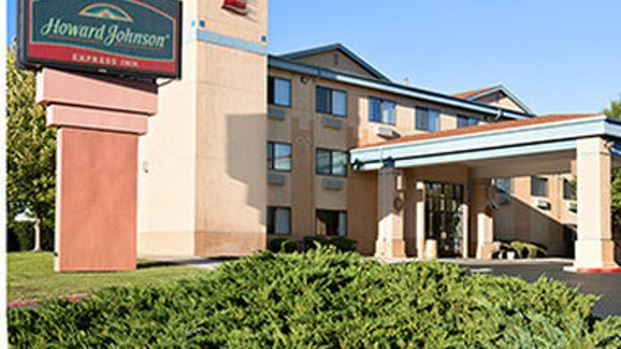 Exterior view HOWARD JOHNSON EXPRESS INN ALB