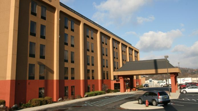 Exterior view Hampton Inn Altoona